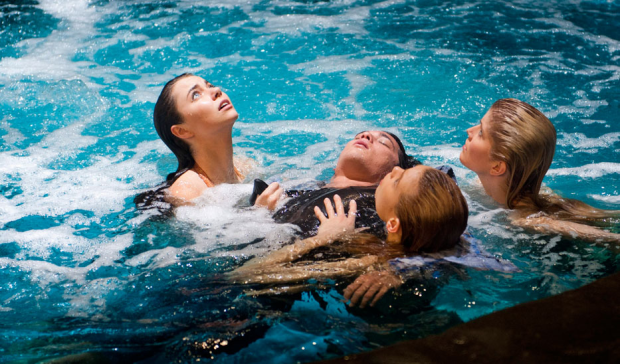 Mako_Mermaids_In_The_Moon_Pool