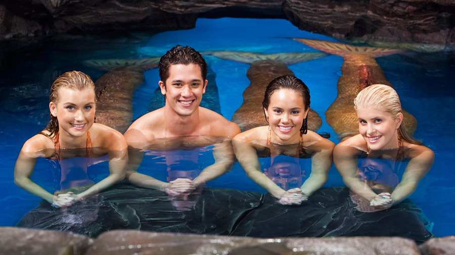 Mako Mermaids Season 2 cast - Moon Pool